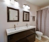 Double vanity in bath