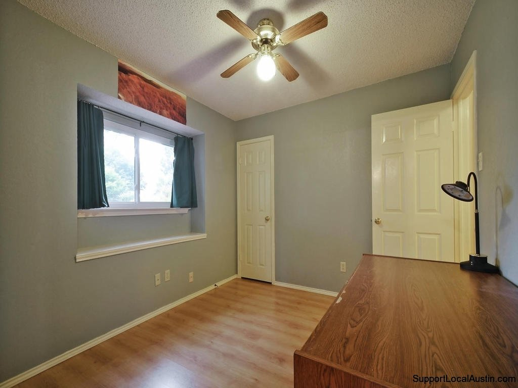1415-laurel-glen-blvd-bedroom